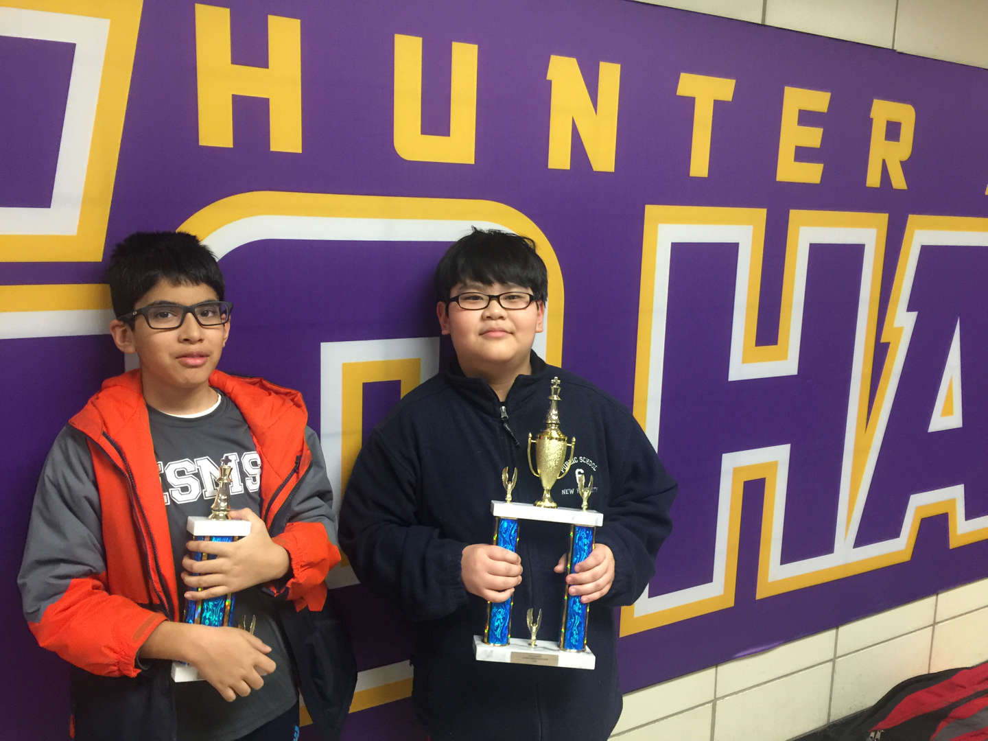 Photo - 2018 ESMS Chess Champs with trophies