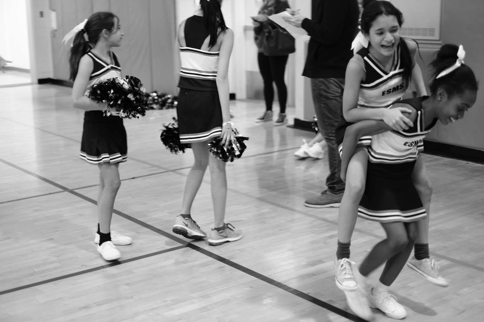 Black and White photo of ESMS cheerleaders