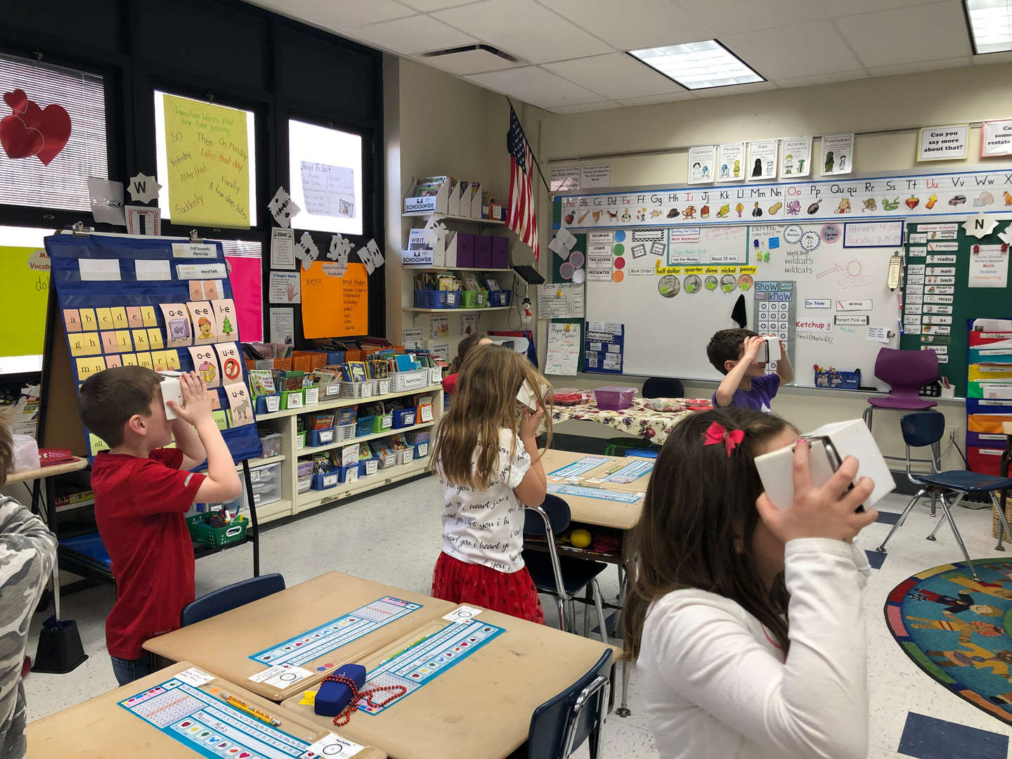 Ms. Marlatt's  2nd Graders take a virtual field trip with Google Expedition