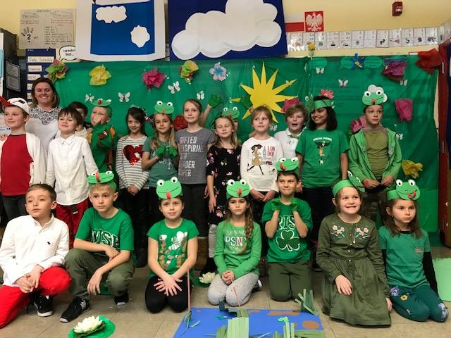 4th grade Polish Dual language wear green and perform a polish fairy tale