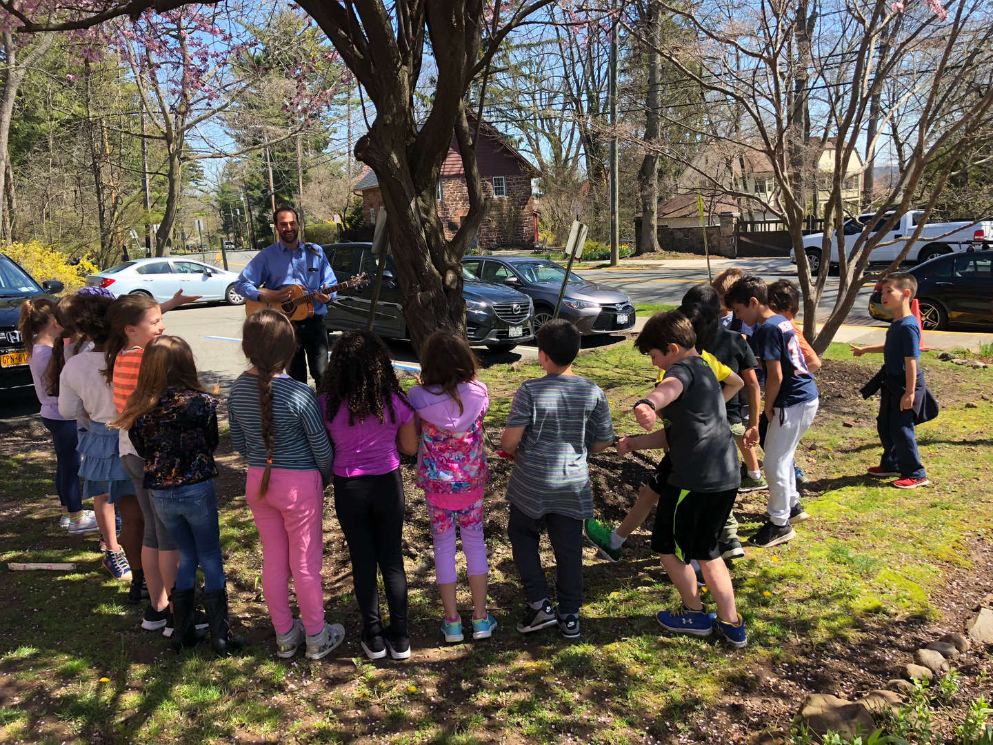 Springtime in Upper Nyack - Mr. Yankou's music class goes outdoors !