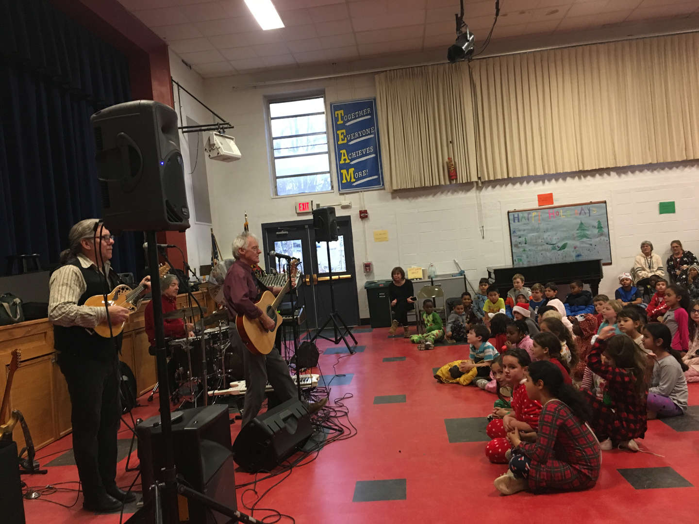 Sean Fleming Band performing holiday favorites for students 12/2/0/18