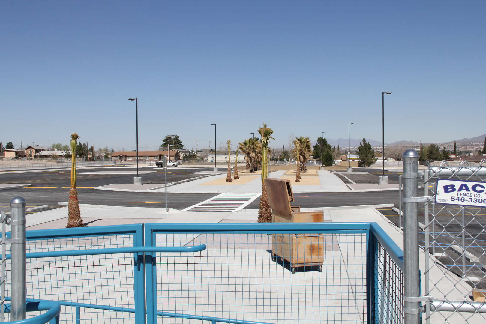 Desert View Elementary porking lot and landscape img