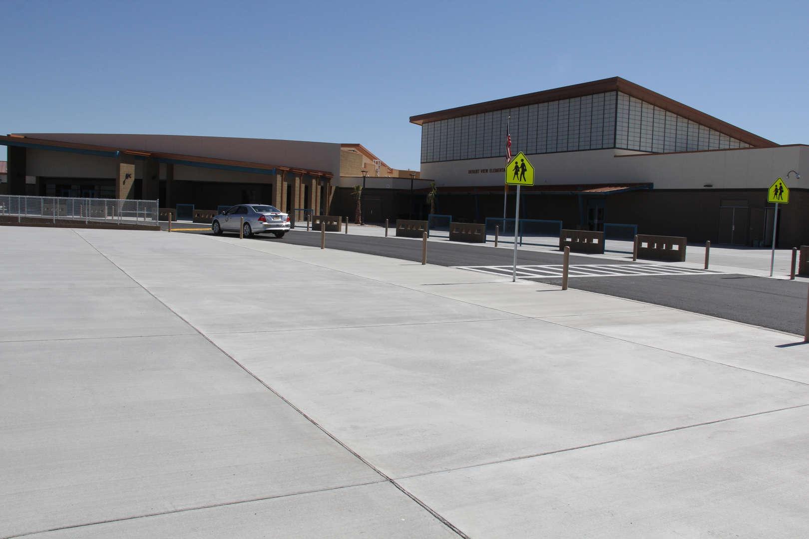 Desert View Elementary building img