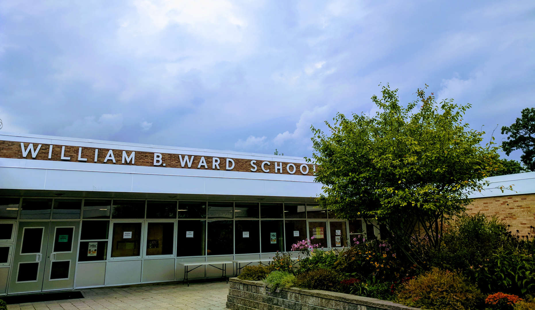 Photograph of Ward School's courtyard