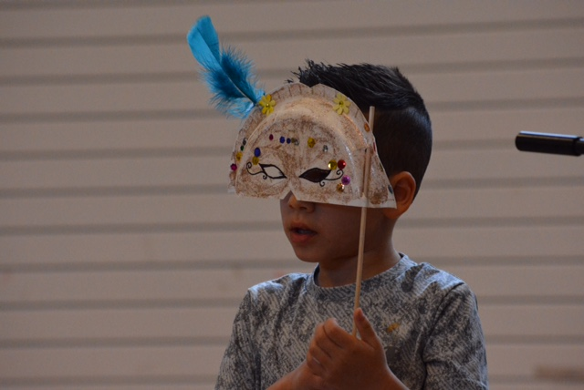 Student with homemade mask