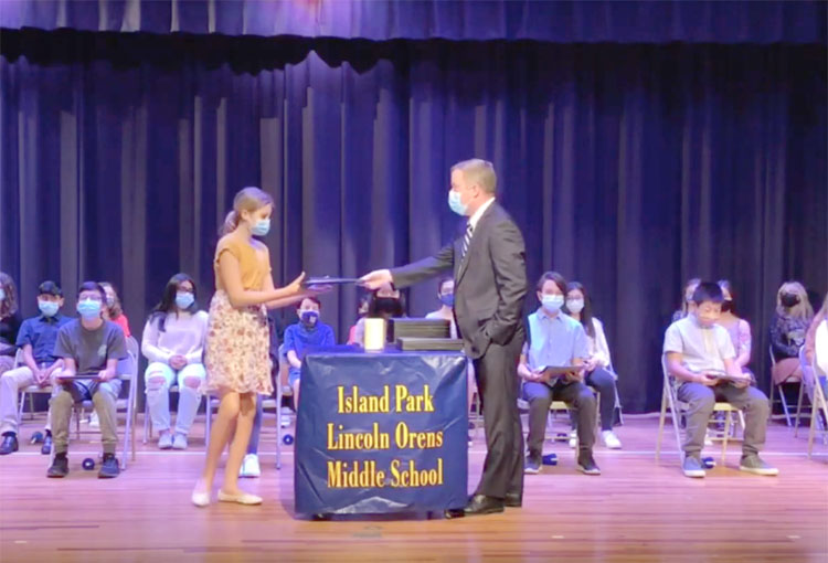 Lincoln Orens Commends National Junior Honor Society Members