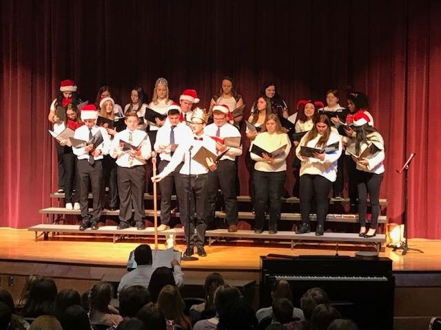 Chamber Choir spreading Holiday Cheer @YIMS