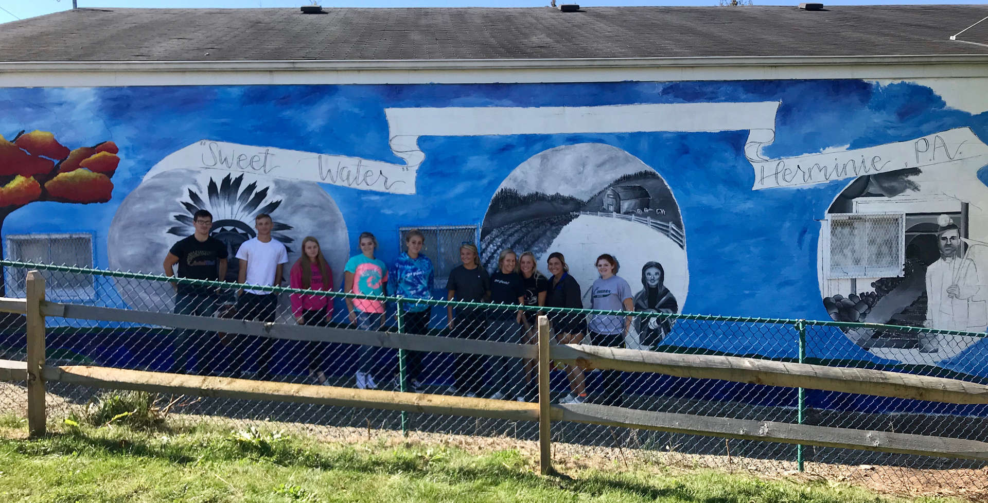 Mrs. Berkey's Art students - Mural Painting 2019