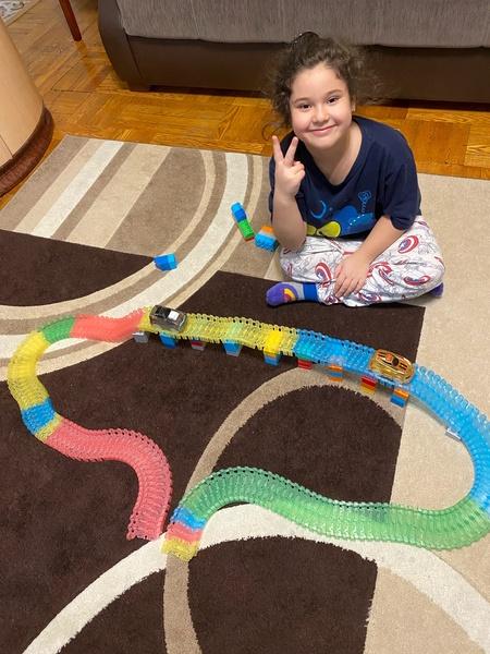 this child created train tracks
