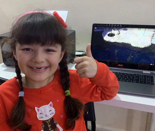 Thumbs up for a virtual tour of the Monterey Bay Aquarium