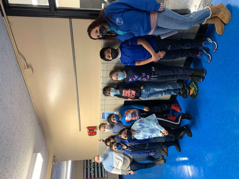 students wear blue in school for honesty