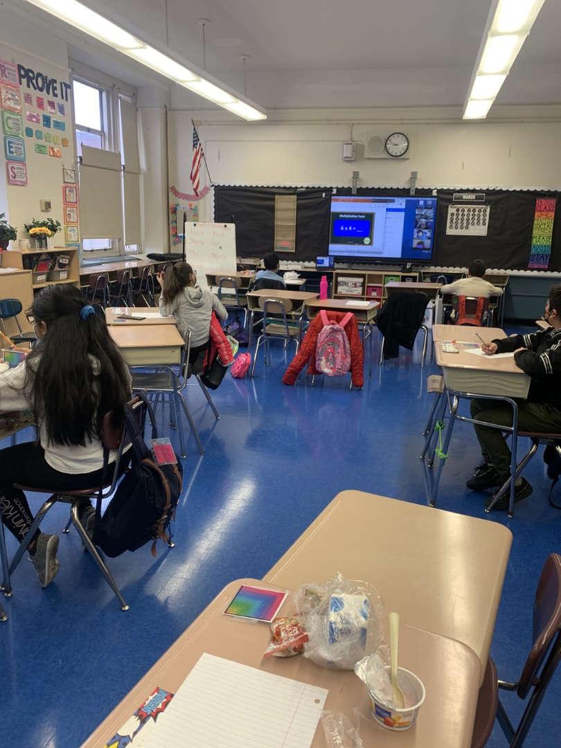 Class 4-330 during Math tournament