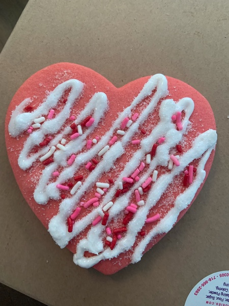 beautifully decorated cookie