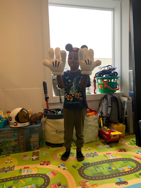 mickey ears and hands