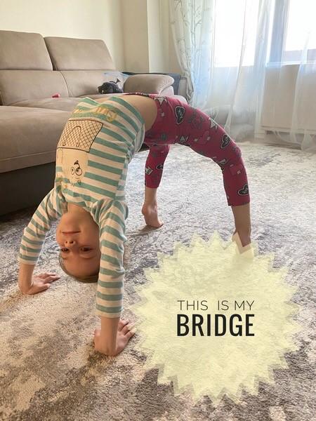 a human bridge