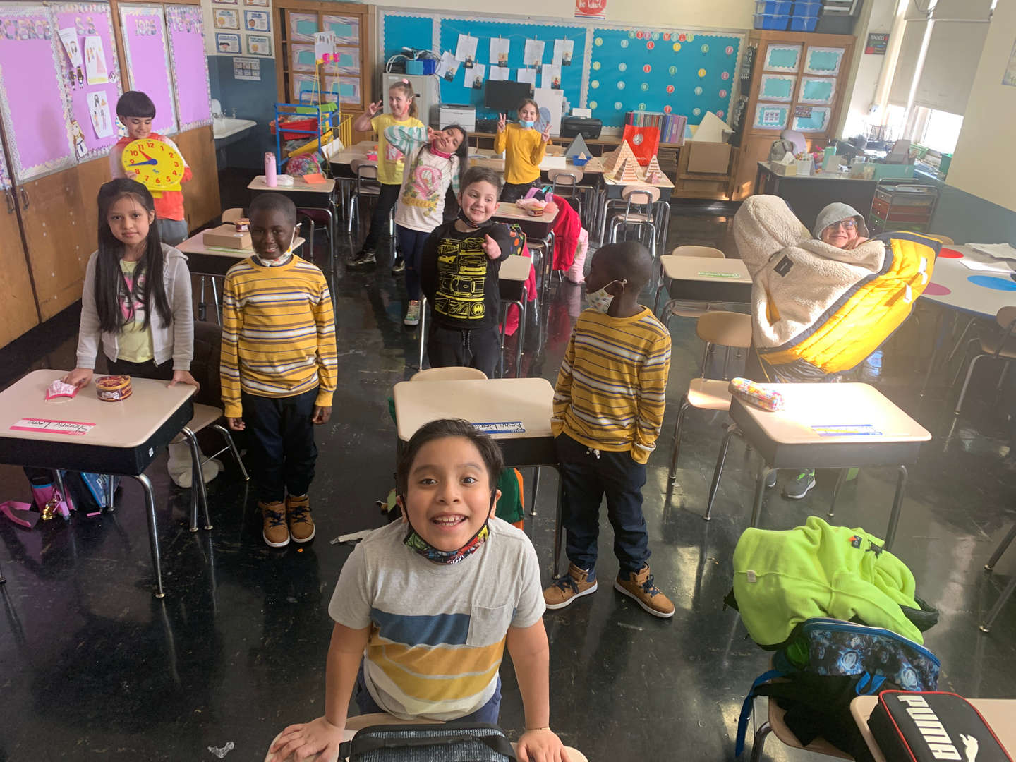students wear yellow in their room