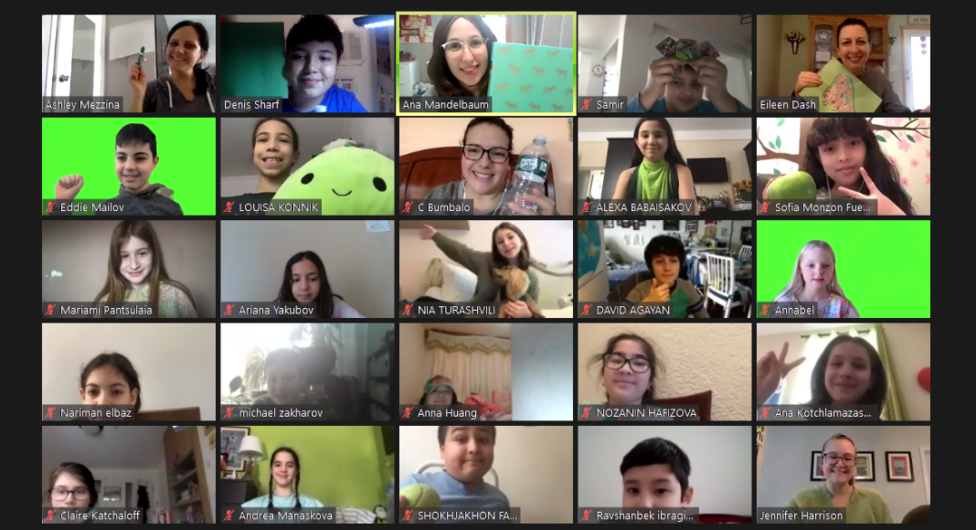 5th grade class wears green on zoom