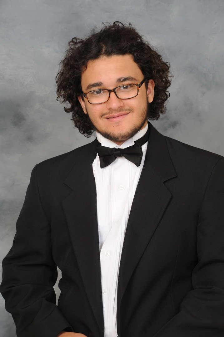 Senior Portrait of Richard Ruiz