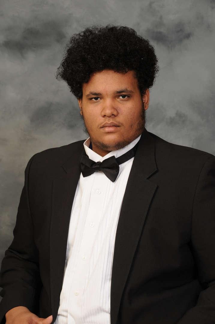 Senior Portrait of Jason Robles