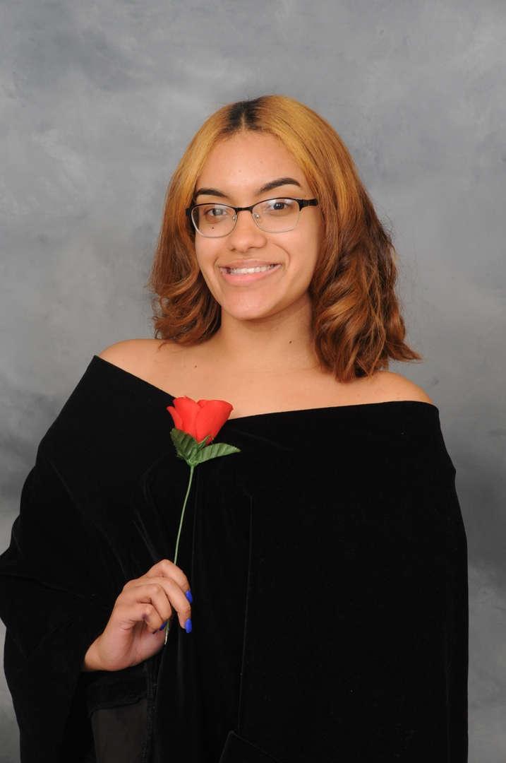 Senior Portrait of Aliyah Vizcarrondo