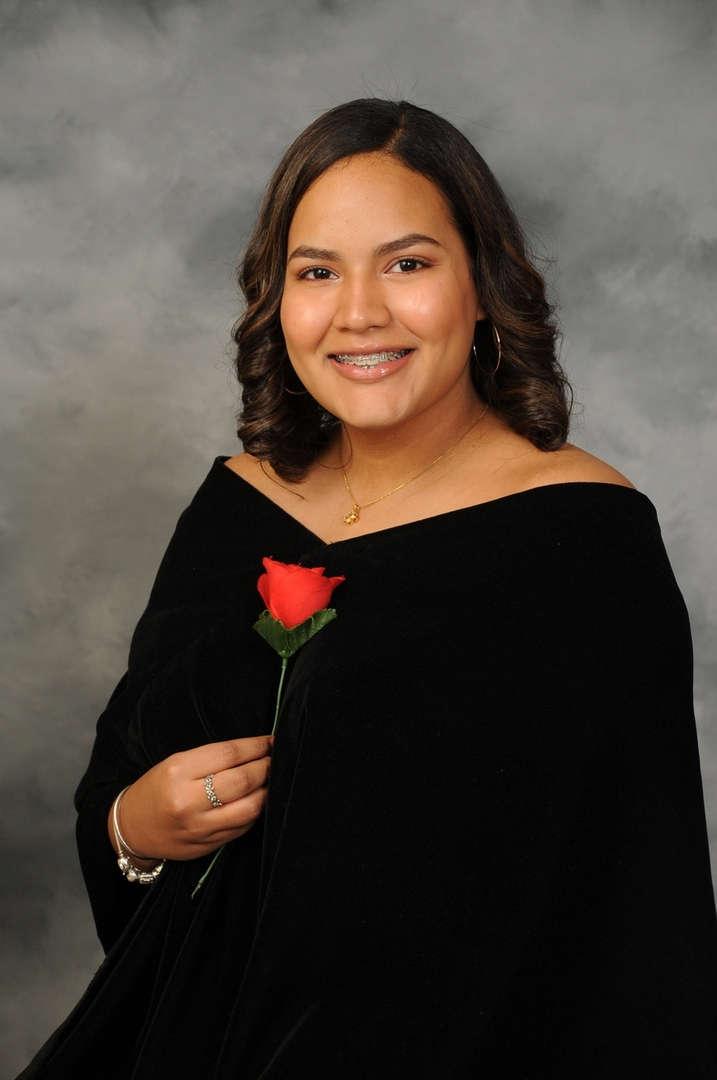 Senior Portrait of Erika Urena