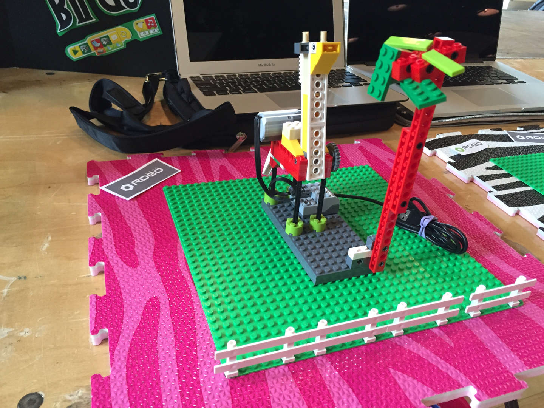 Movable horses using LEGO Stem programming
