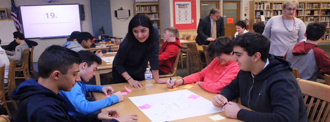 Dr. Maryam Ashoori, Research Staff Member from IBM works with students.