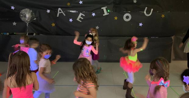 Long vowel disco party