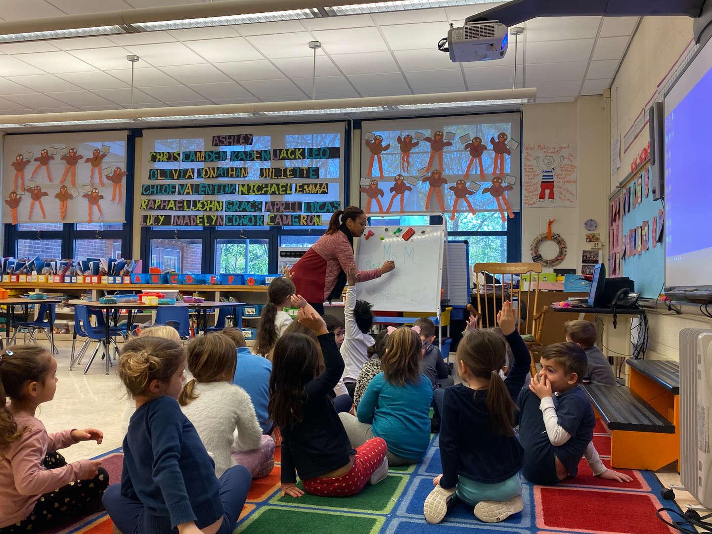 Ms. McKinley teaching a kindergarten class.
