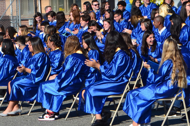 Lincoln Orens Middle School Graduates Move Onward to High School