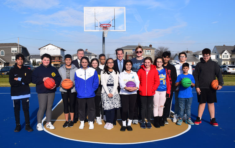 Lincoln Orens Unveils New Basketball Courts