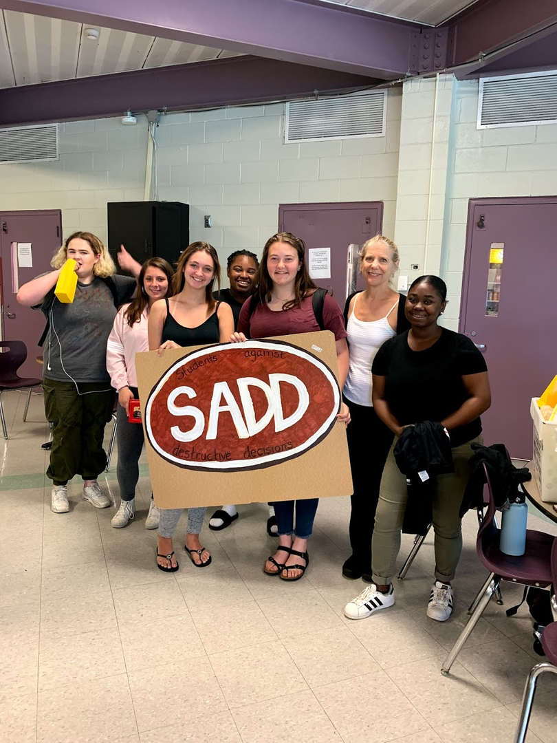 SADD STUDENTS PRESENTING FOR PROM DAY