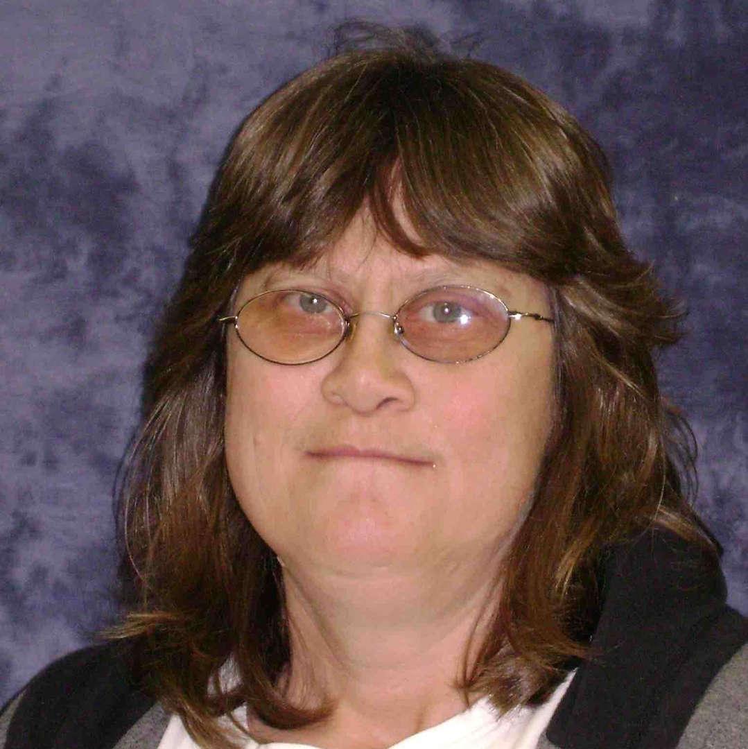 Lisa Tronquet - Custodian