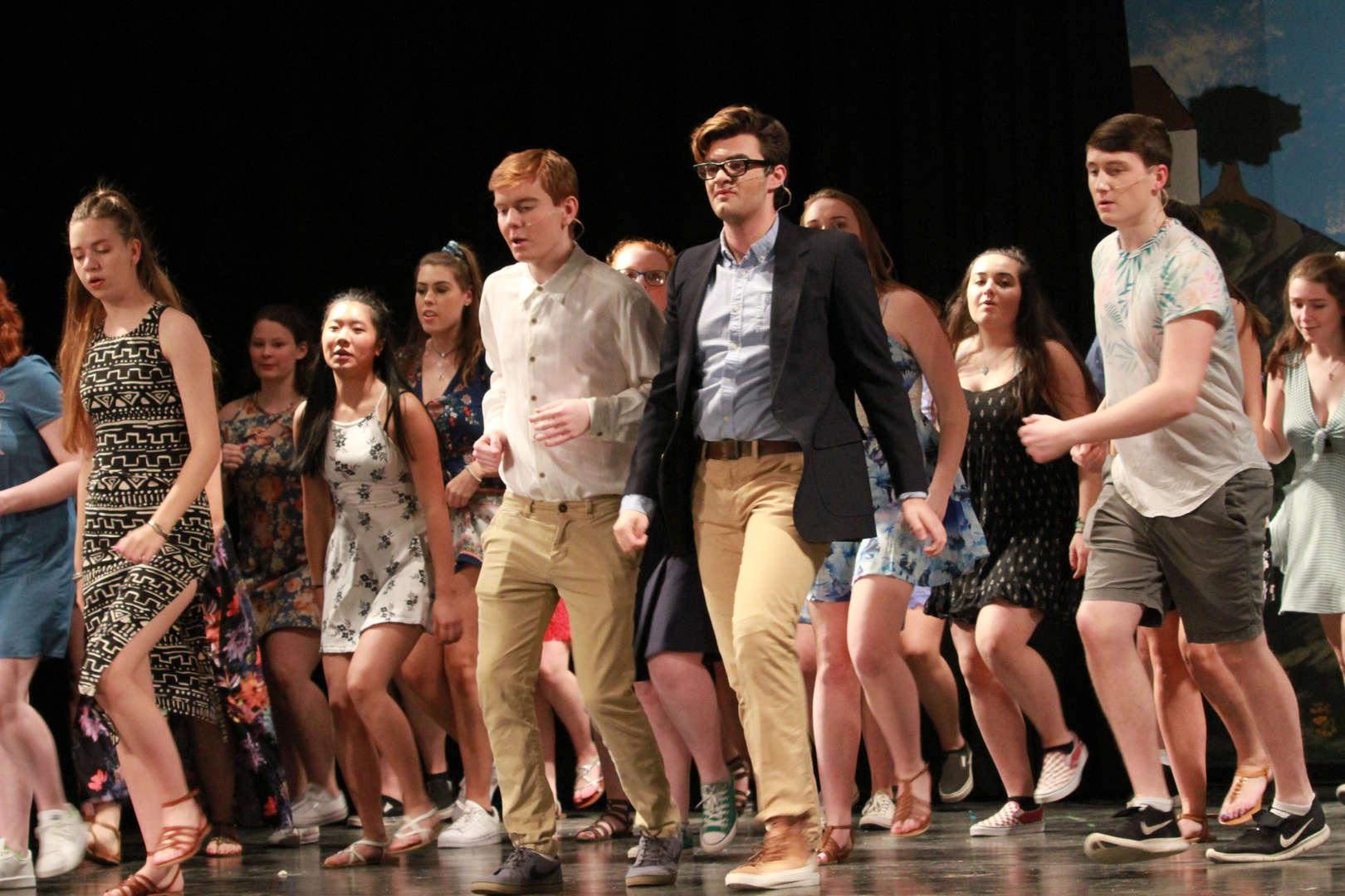 HS boys dancing