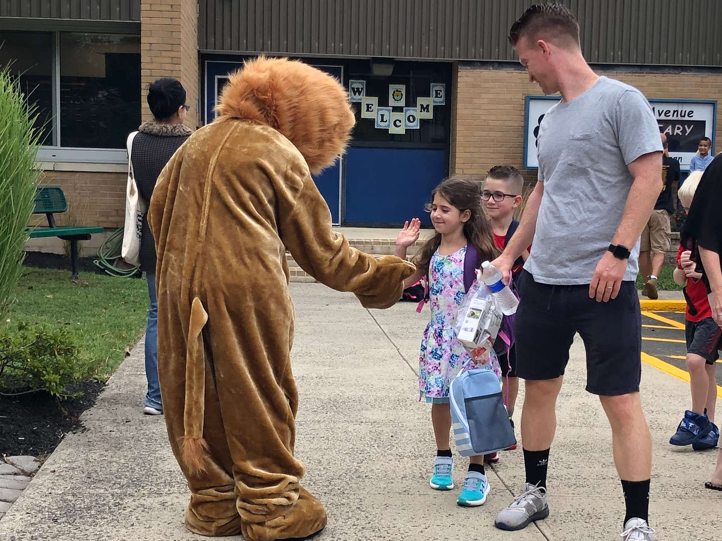 Lincoln Lion welcomes student
