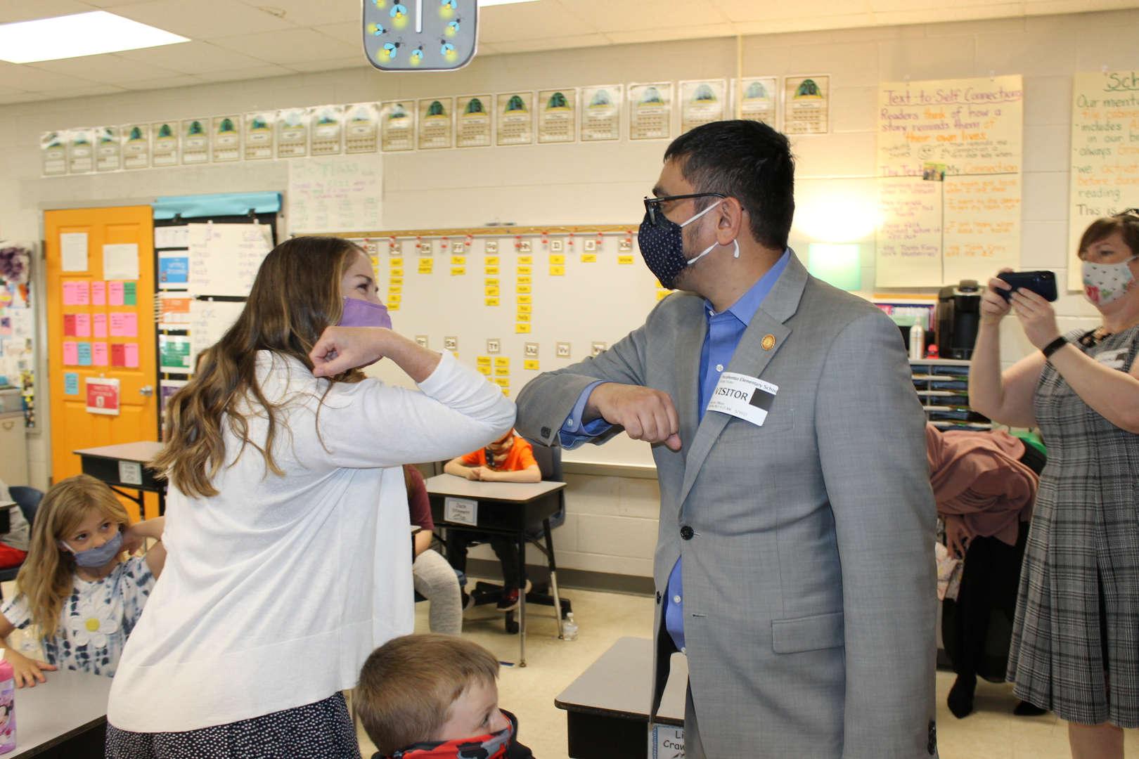 Pocahontas Teacher with Secretary of Education