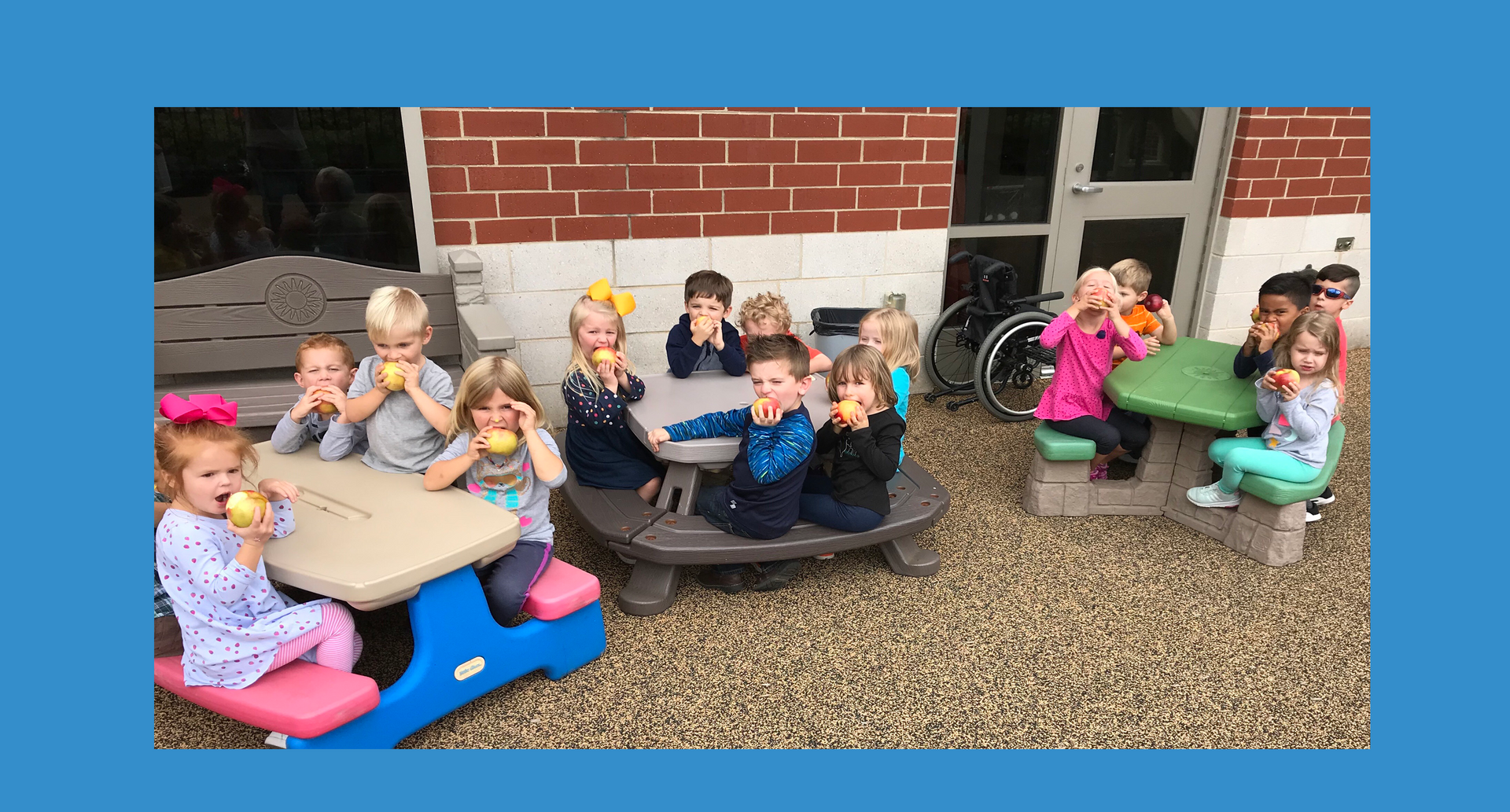 Preschoolers enjoy apples