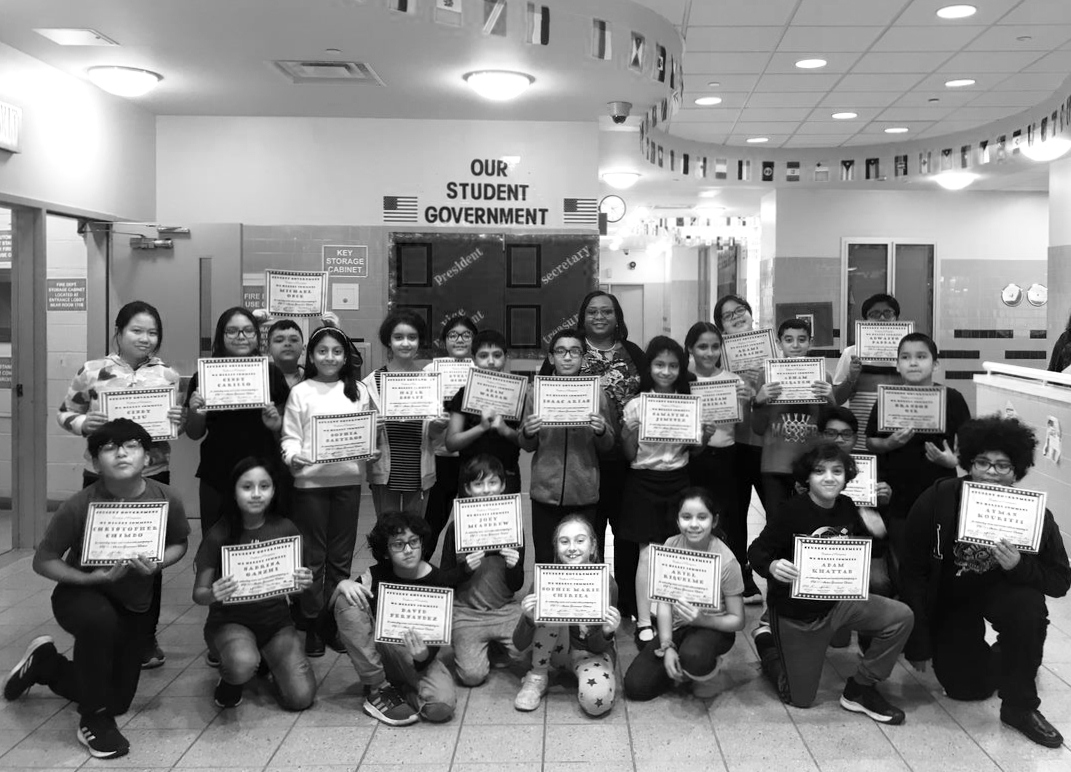 Mrs. Thomas and Student Government Certificates