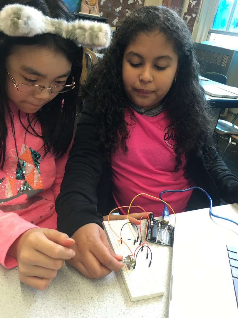 students building electronic projects