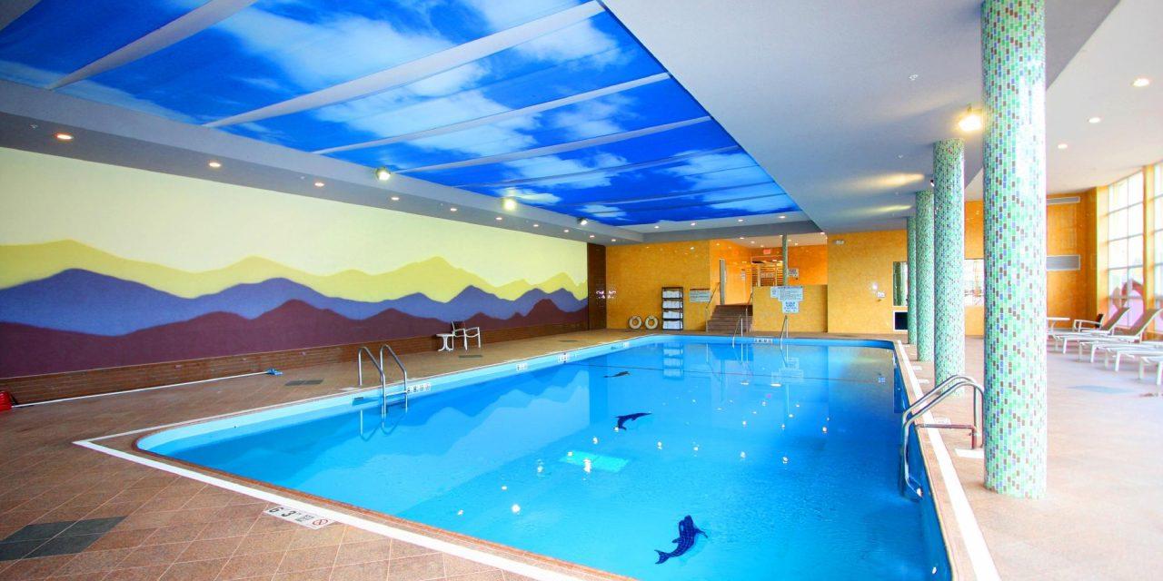 Pool of Honer's Haven Resort