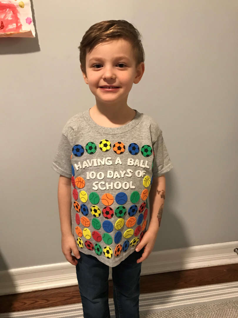 Student in 100 day shirt