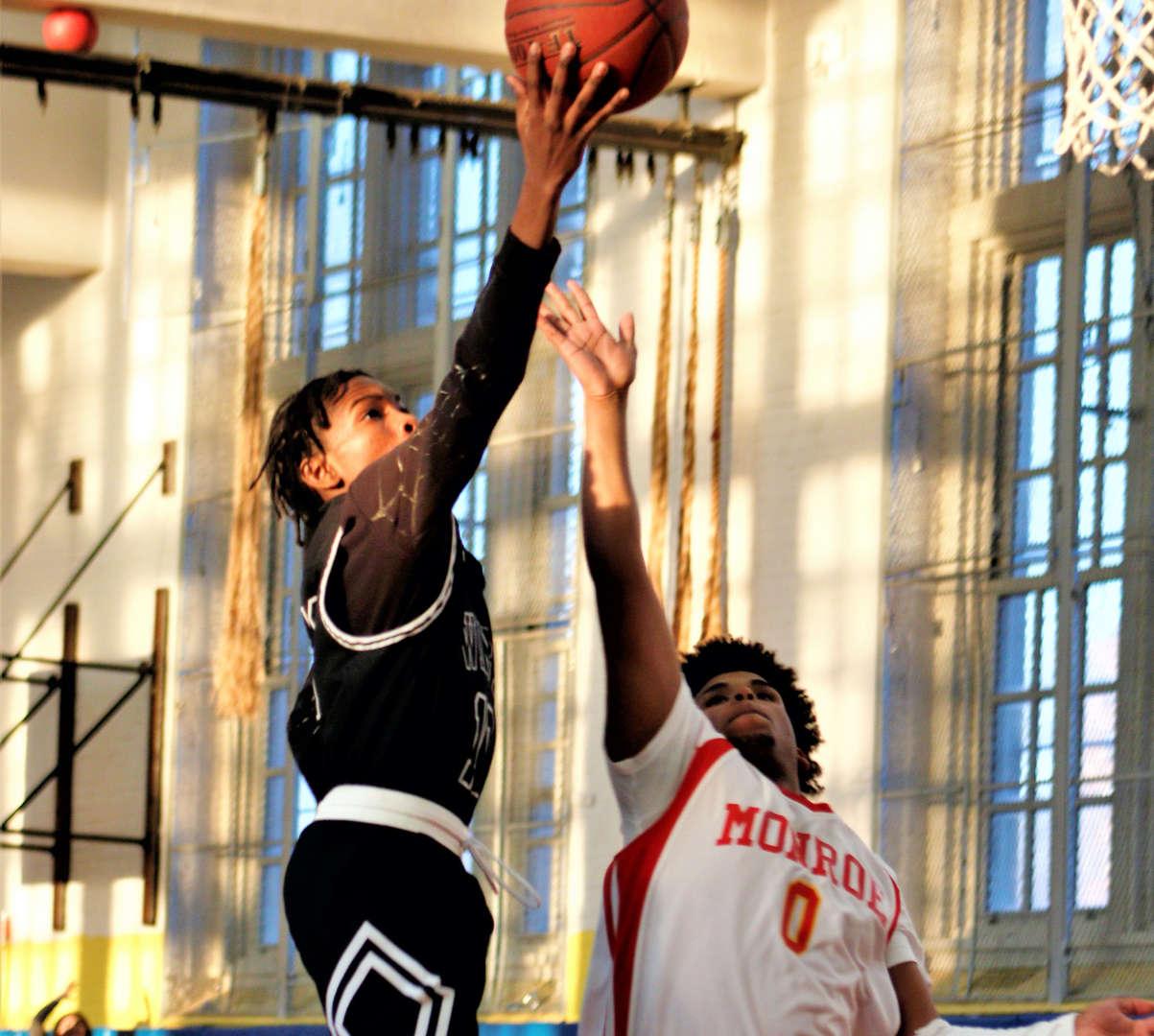 Boys JV basketball freshman player King Dawson during the 2018-2019