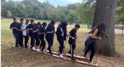 Students teambuilding