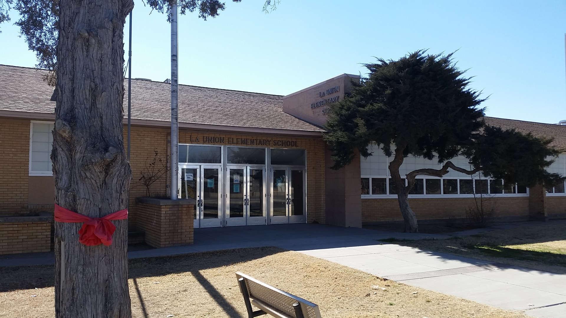 La Union Elementary front fascade