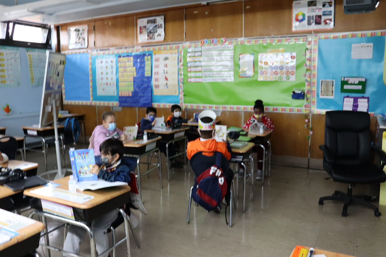 Ms. Reda and Ms. Crawley's 2nd grade class reading.