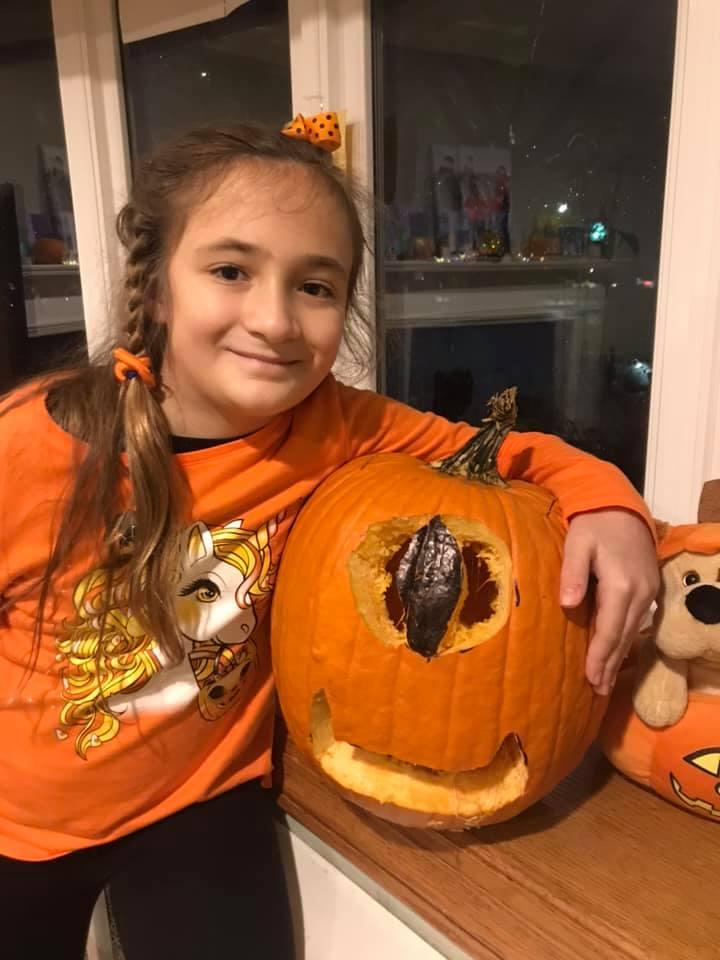 """<img src=""""pumpkin.png"""" alt="""" oneeye pumpkin"""">"""