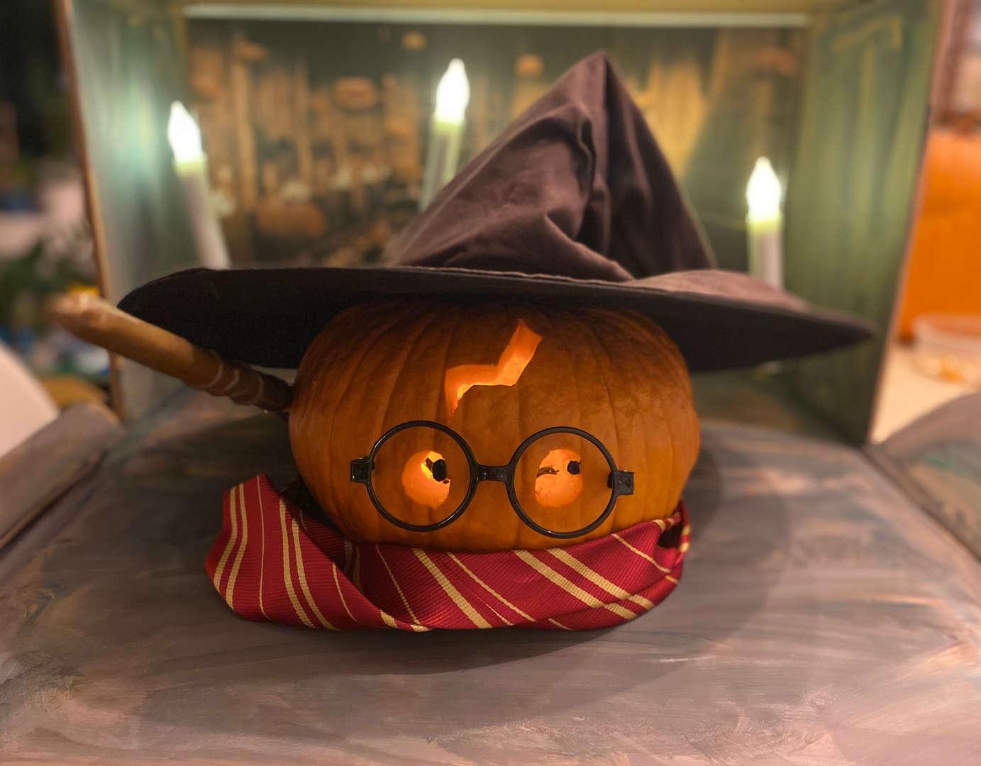"""<img src=""""pumpkin.png"""" alt="""" harry potter pumpkin"""">"""