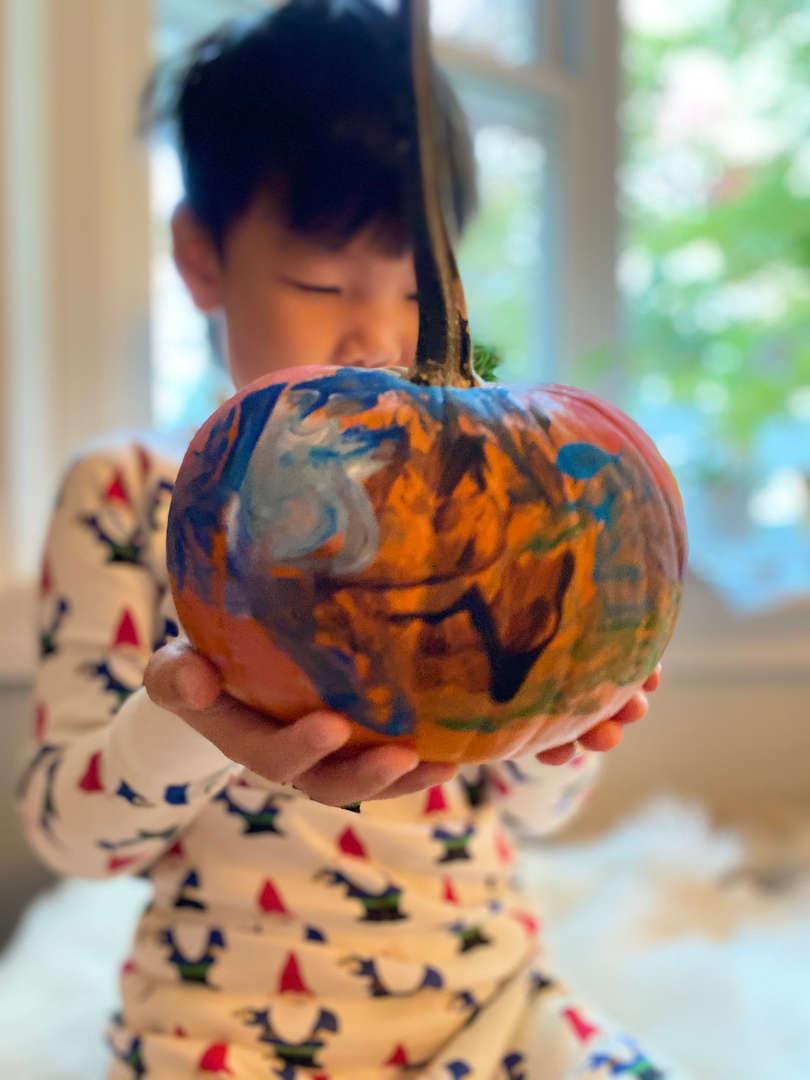 """<img src=""""pumpkin.png"""" alt="""" painted pumpkin"""">"""