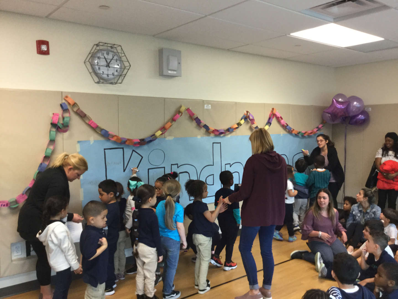 Kids pledge to kindness.